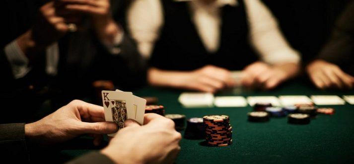 Mengalahkan Lawan Poker